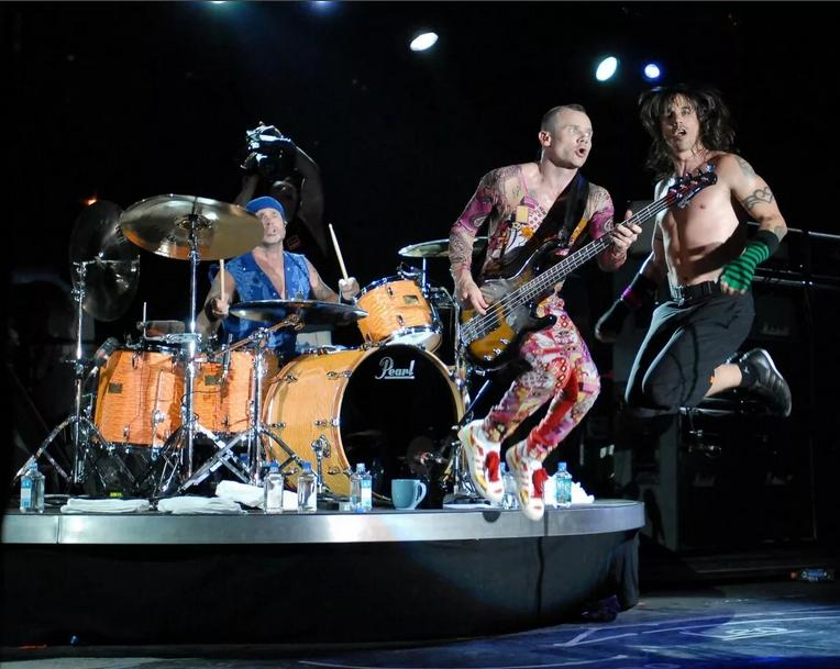 Red Hot Chili Peppers и их хит Californication